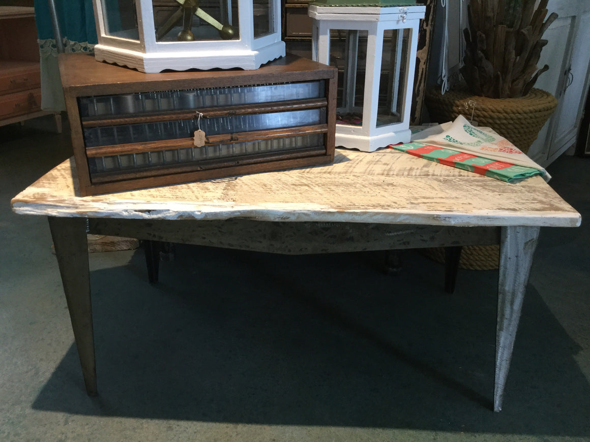 Barnwood Coffee Table - VINTAGE JOURNEY MARKET - Upcycling & Restoration