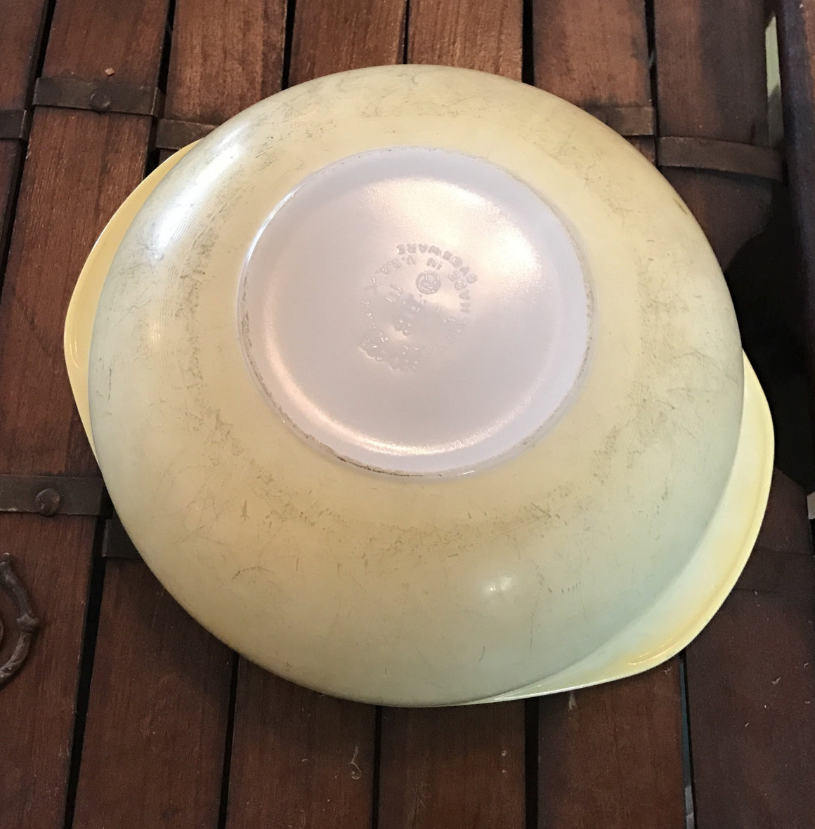 Vintage Pyrex 2 Quart Round Yellow Casserole #024 No Lid - VINTAGE JOURNEY MARKET - Upcycling & Restoration