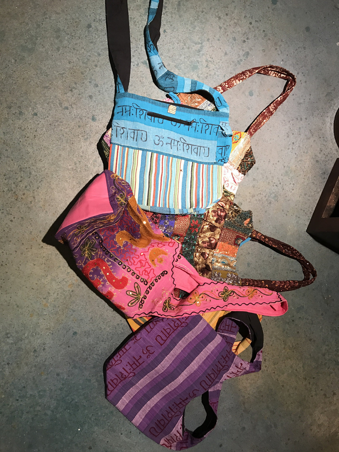 Boho Bags, Assorted Colors and Styles - VINTAGE JOURNEY MARKET - Upcycling & Restoration