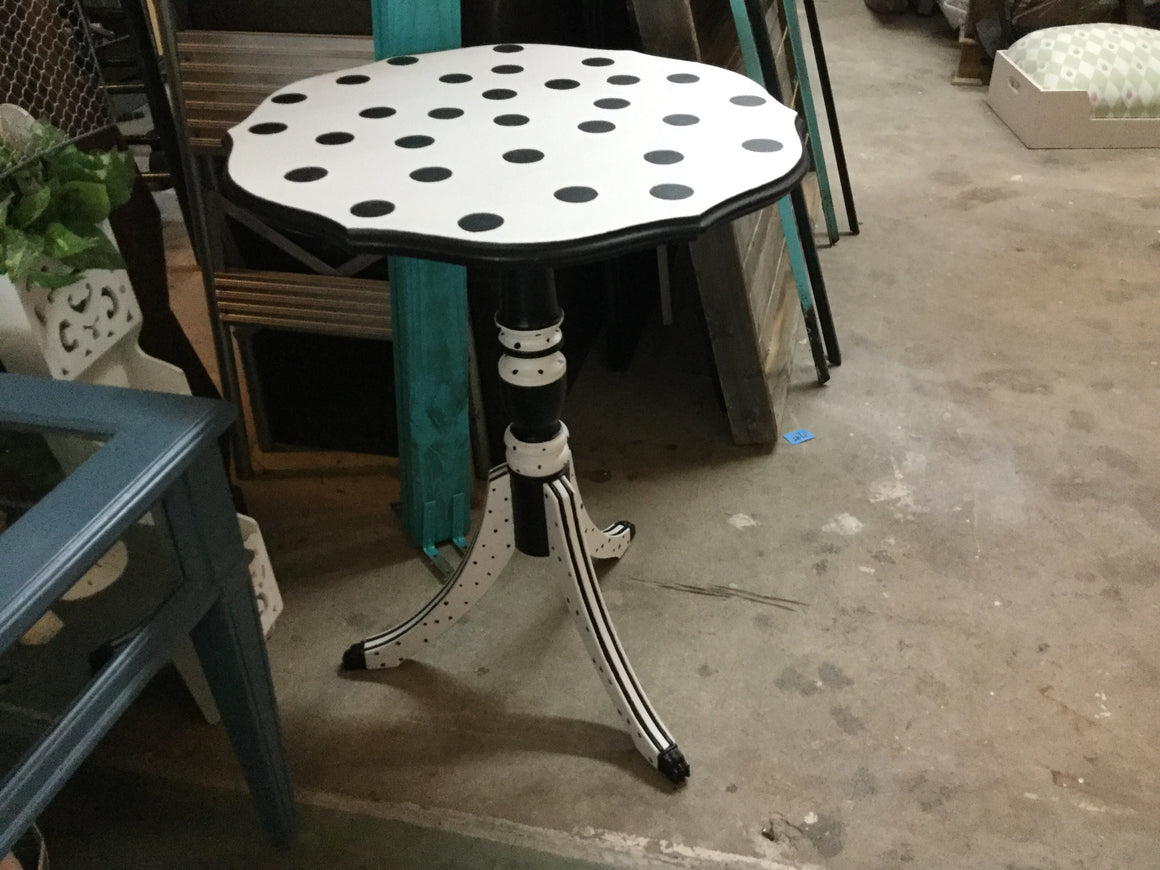 Black & white pie table - VINTAGE JOURNEY MARKET - Upcycling & Restoration
