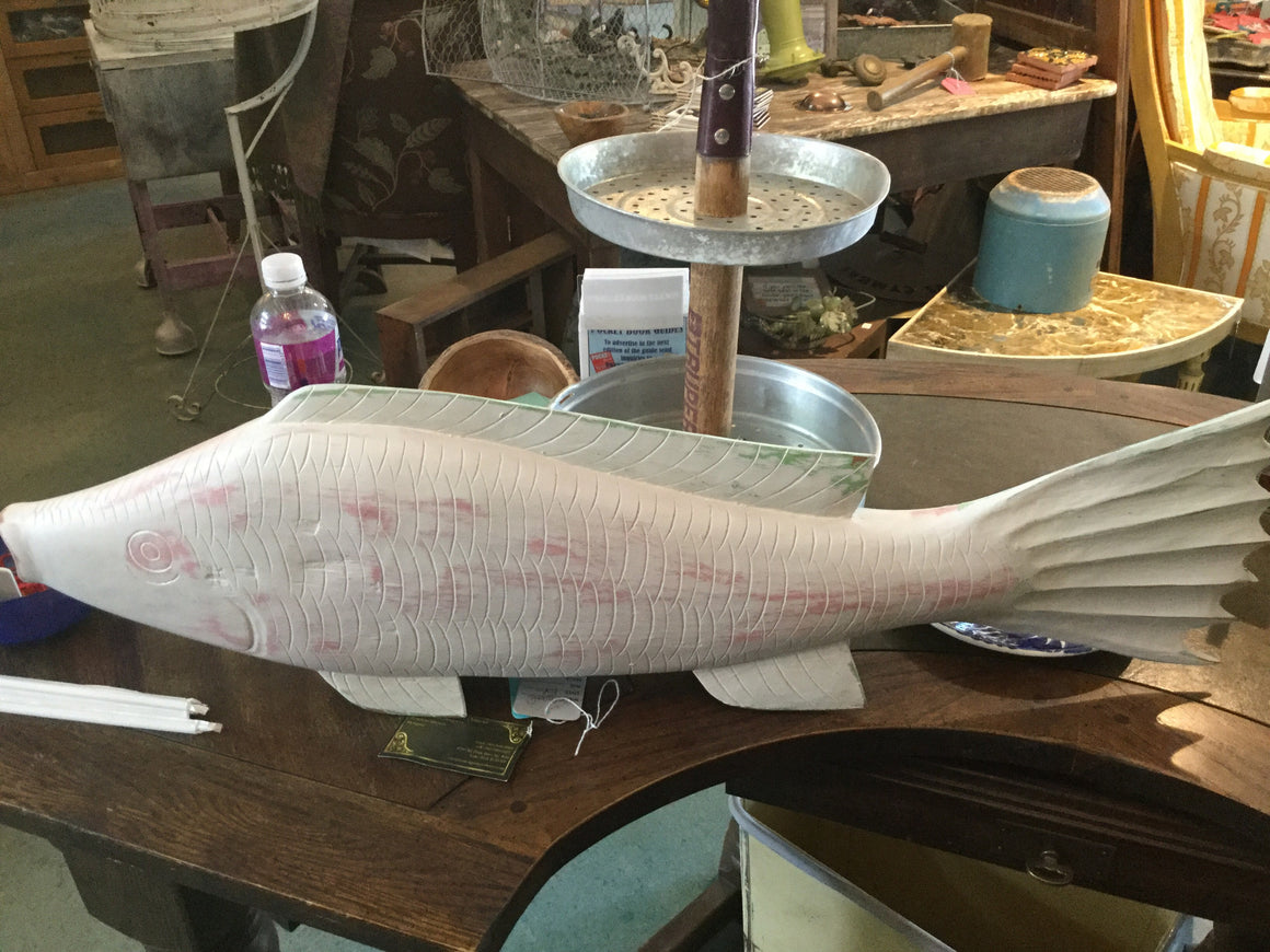 White painted fish - VINTAGE JOURNEY MARKET - Upcycling & Restoration