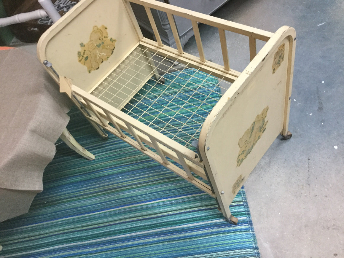 Baby crib - VINTAGE JOURNEY MARKET - Upcycling & Restoration