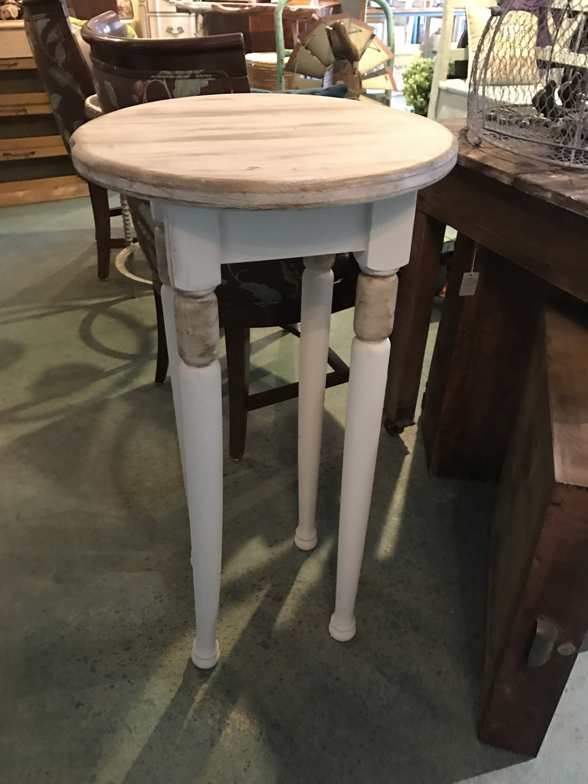 Accent Table - VINTAGE JOURNEY MARKET - Upcycling & Restoration