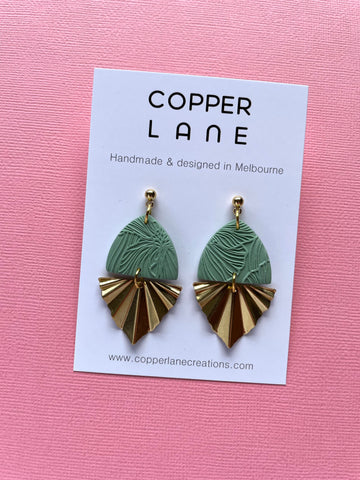 Floral Fan Earrings - Moss/Brass