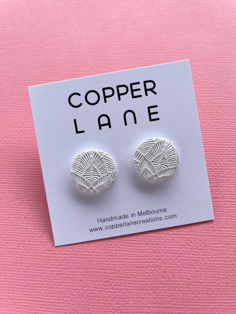 Small Embossed Stud Earring - WHITE