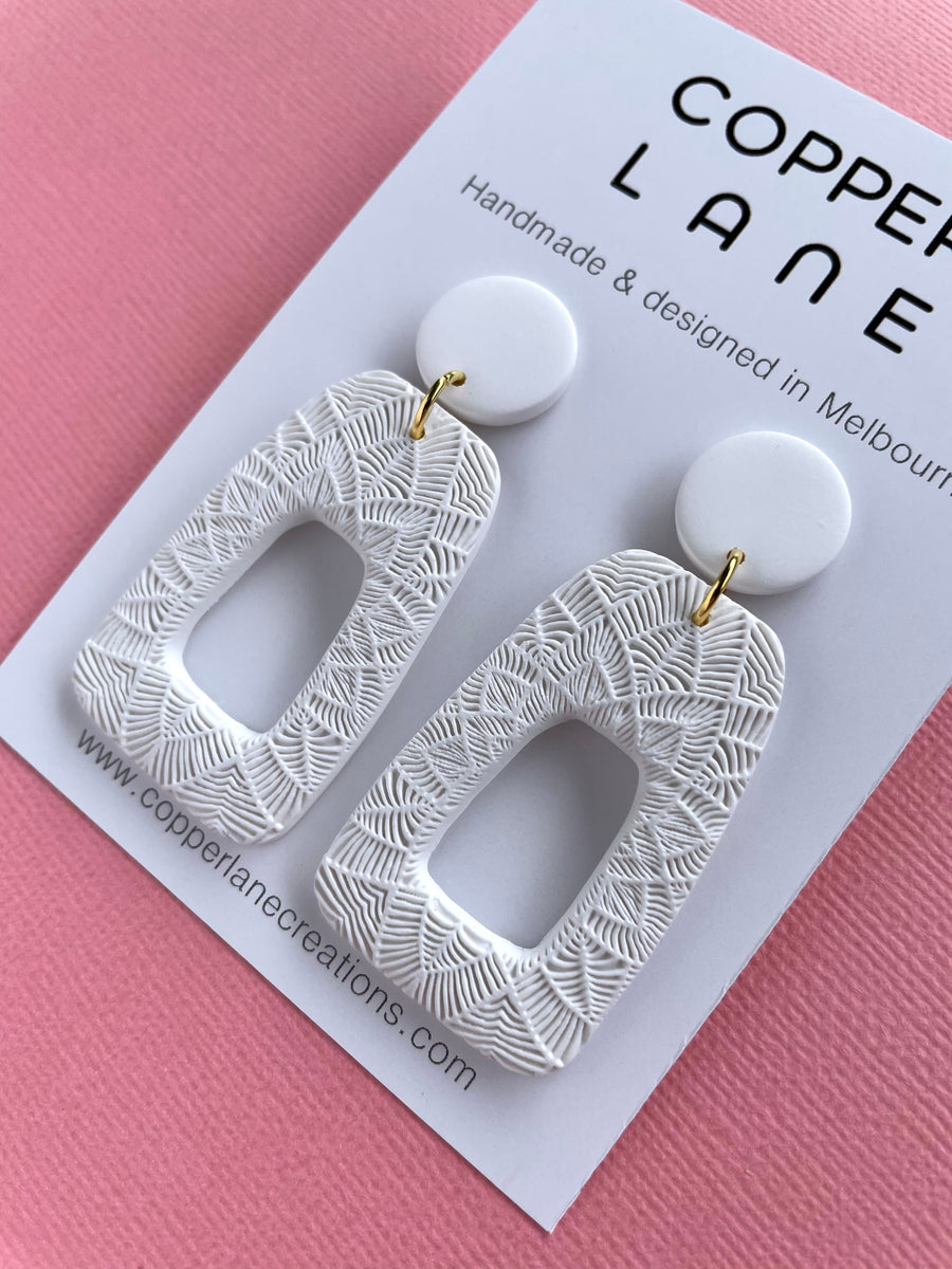 Anna Embossed Earring - WHITE