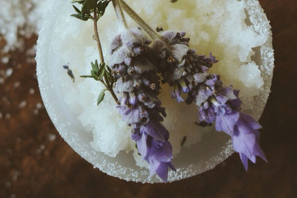 RECIPE: BOTANICAL WINTER SALT SCRUB