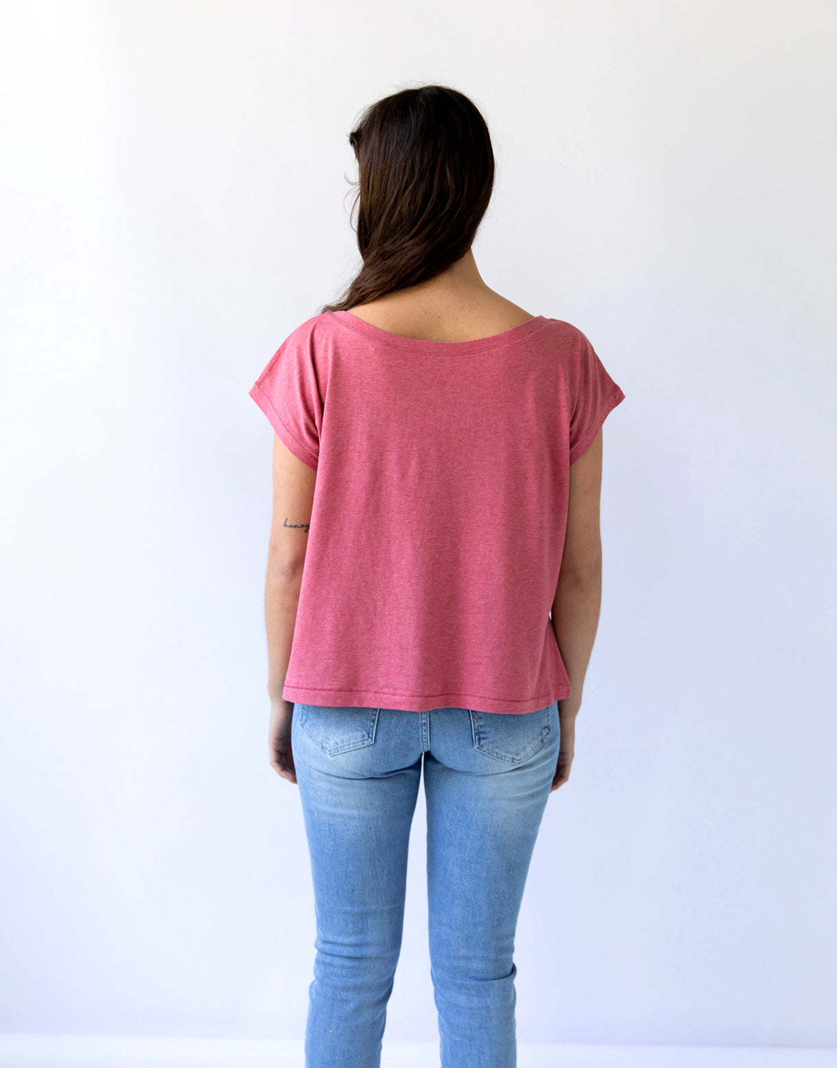 Lana tee in Cranberry *organic cotton