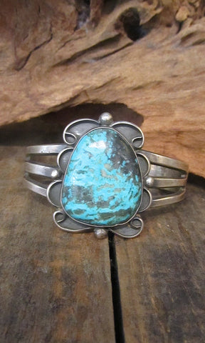 TURQUOISE ROCKS Chimney Butte 60g Sterling Cuff