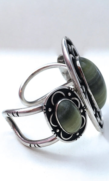 LIZARD JASPER 1970s Large Statement Silver and Green Cuff