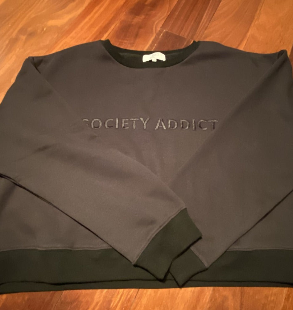 Society Addict - Crop Jumper - Black