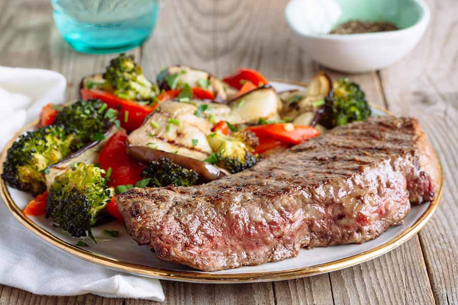 BBQ Steak with Delicious Grilled Vegetables 1