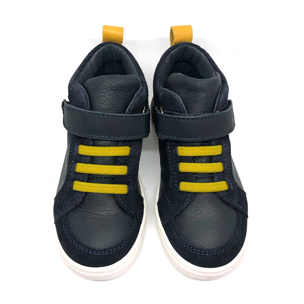 Leo high top trainers