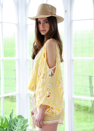 Embroidered Shorts Americano in Yellow