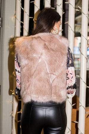 Light pink faux fur gilet