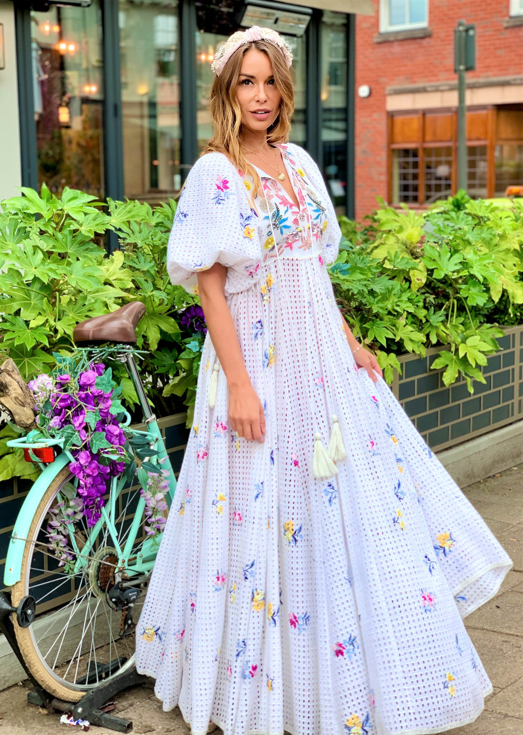Luxe Maxi embroidery Dress Cindy in White