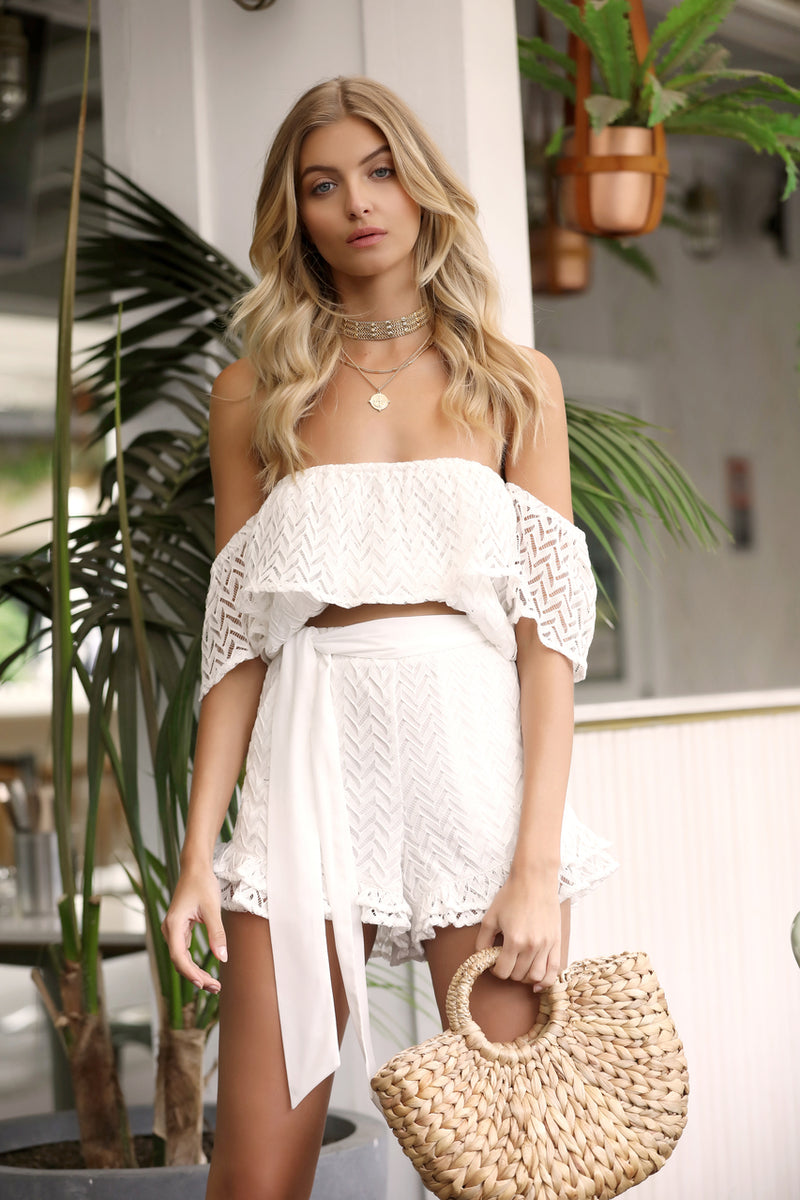 White frill shorts with belt Salt & Pepper