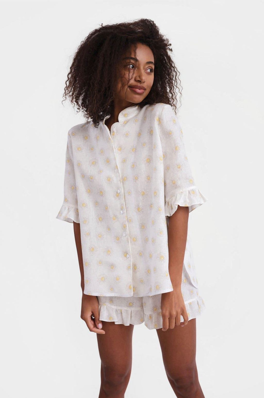Sleeper Ruffled Linen Lounge Suit in Daisies