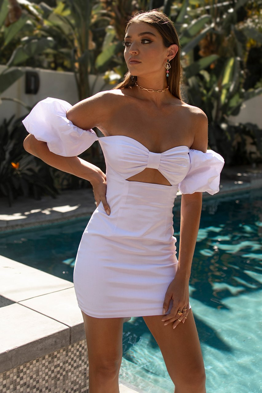 Off the Shoulder Mini Dress Ximena in White