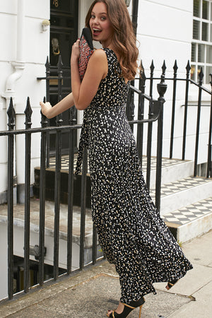 Onjenu Sleeveless Maxi Dress in Etoile print