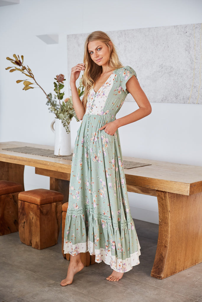 9748644d6dabdf Maxi Dress Carmen in Betsy Print – OutDazl