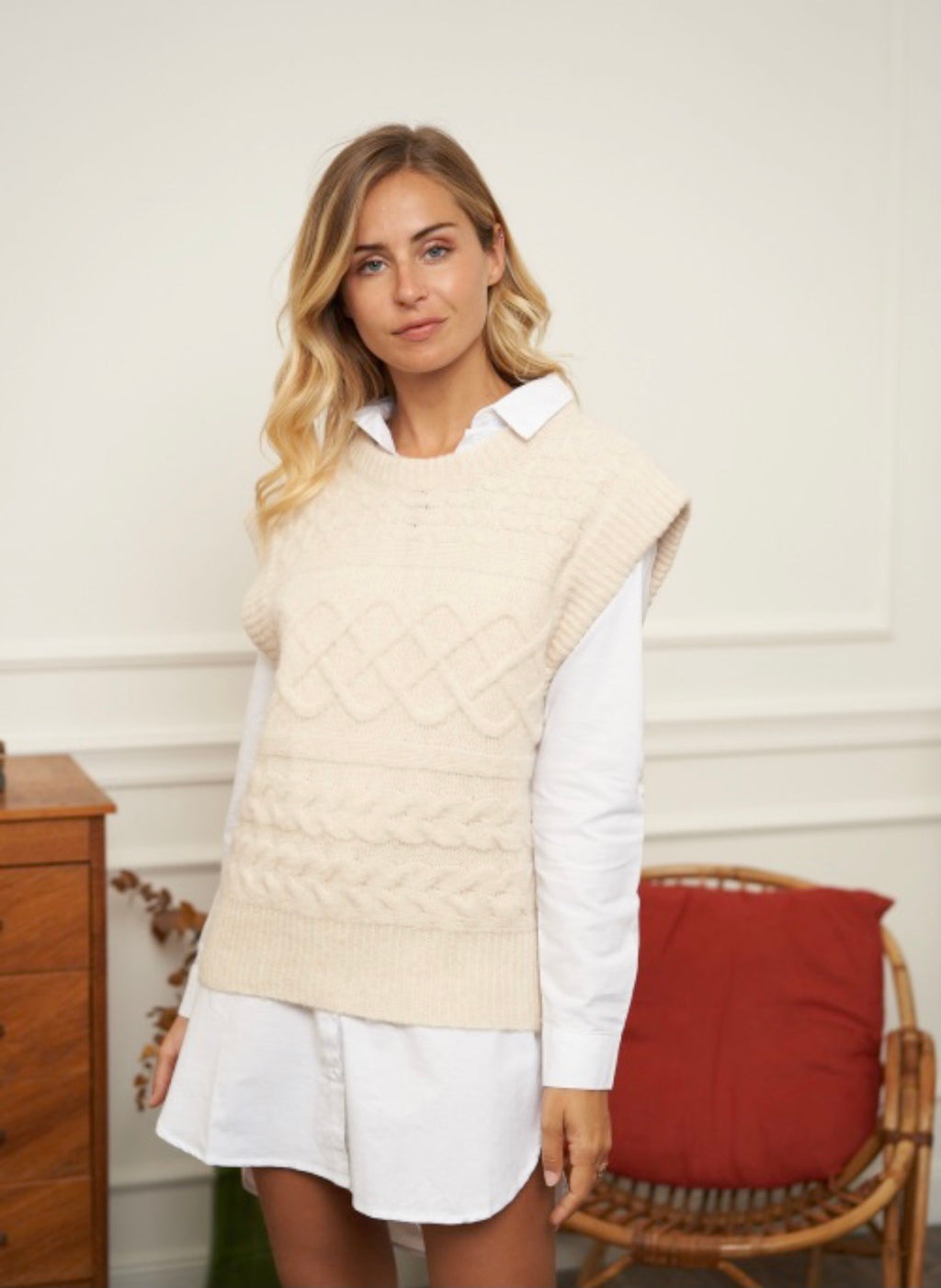 Wool Blend Knitted Vest Isabel in Cream