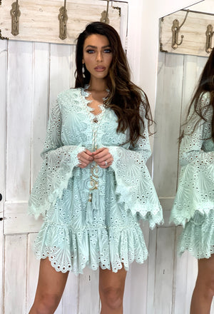 Laurie and Joe Lace dress Soleil in pastel Mint