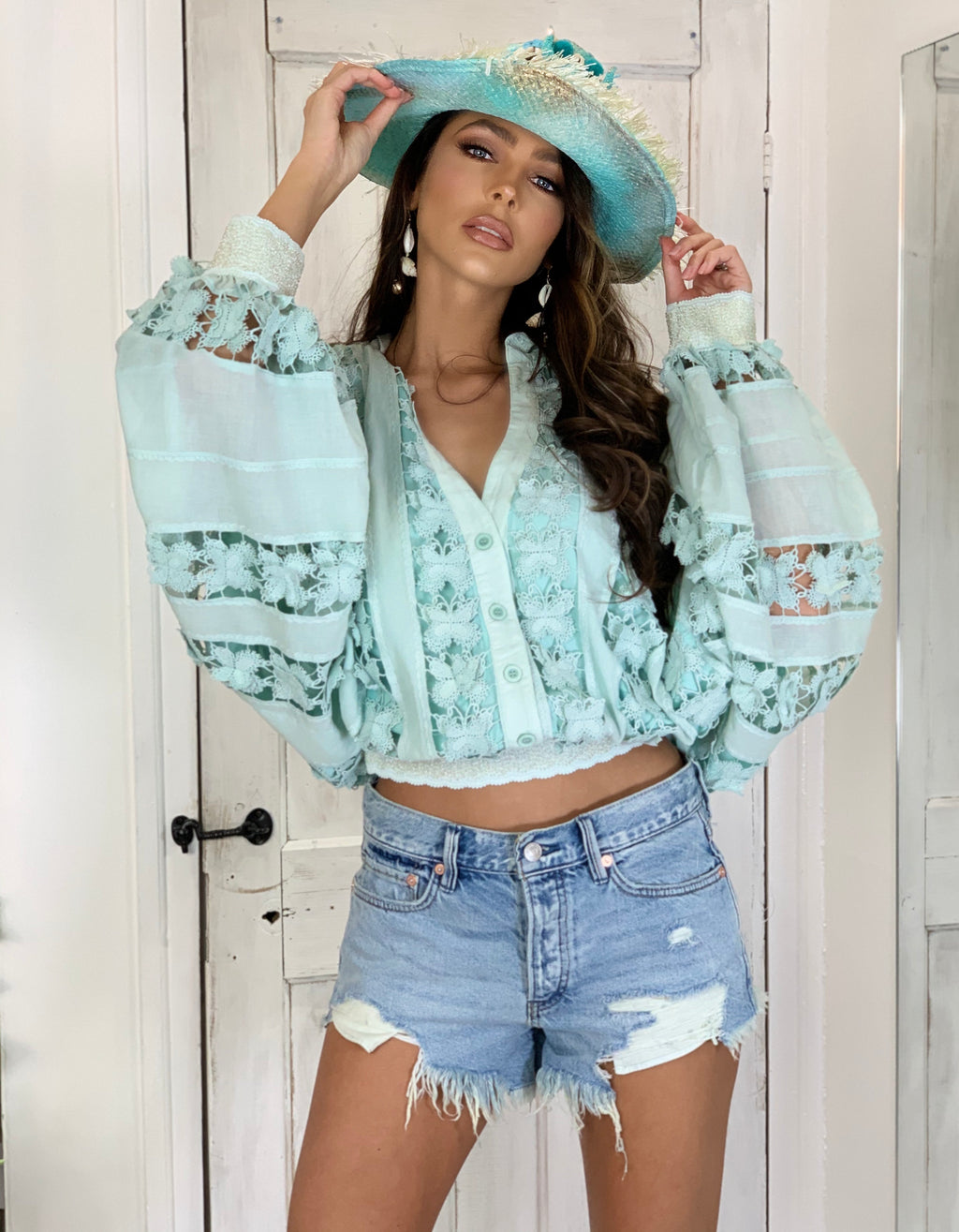 3D Butterfly Embroidered Top Tresor in Mint