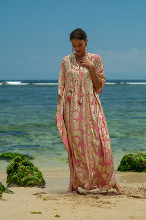 Miss June Long Kaftan bodhi in Pink/Gold