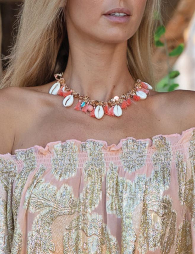 Short shell Necklace with tassels in Peach