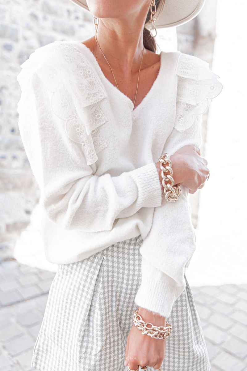 White Knit jumper Sophie with lace frill