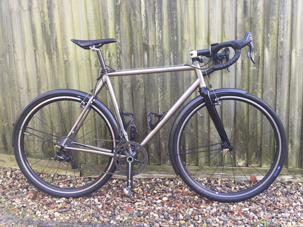 Steel bike with carbon fibre mudguards