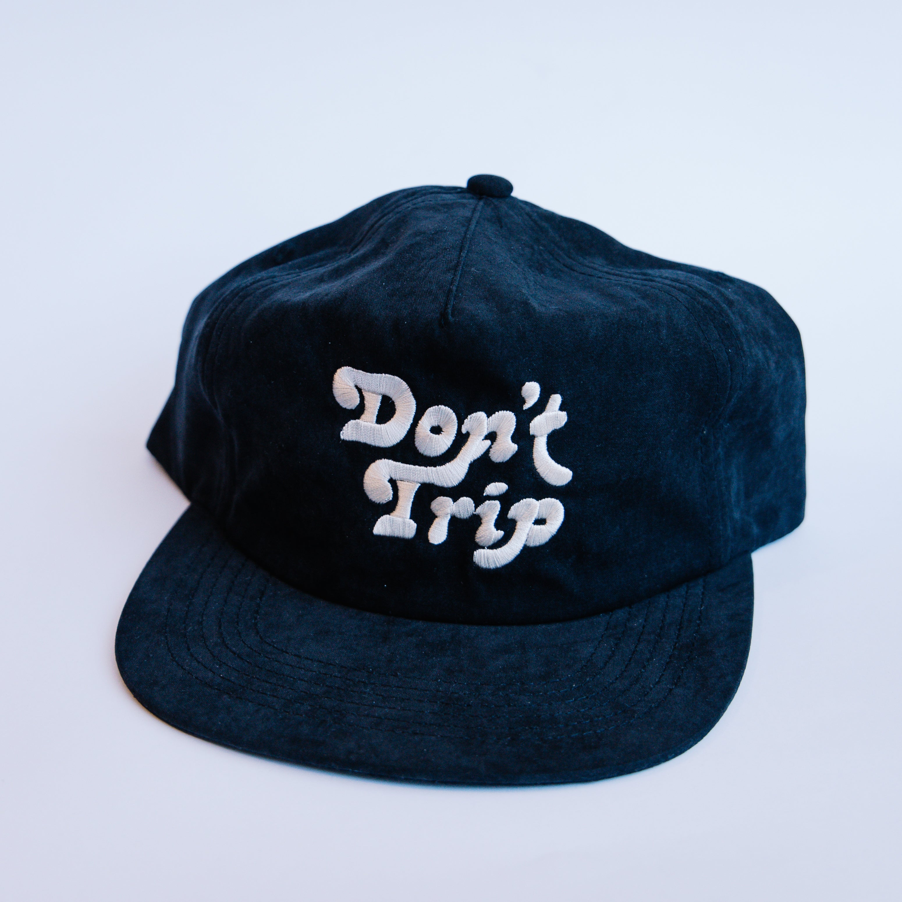 Load image into Gallery viewer, Free & Easy Peach Fuzz Don't Trip Hat in Black