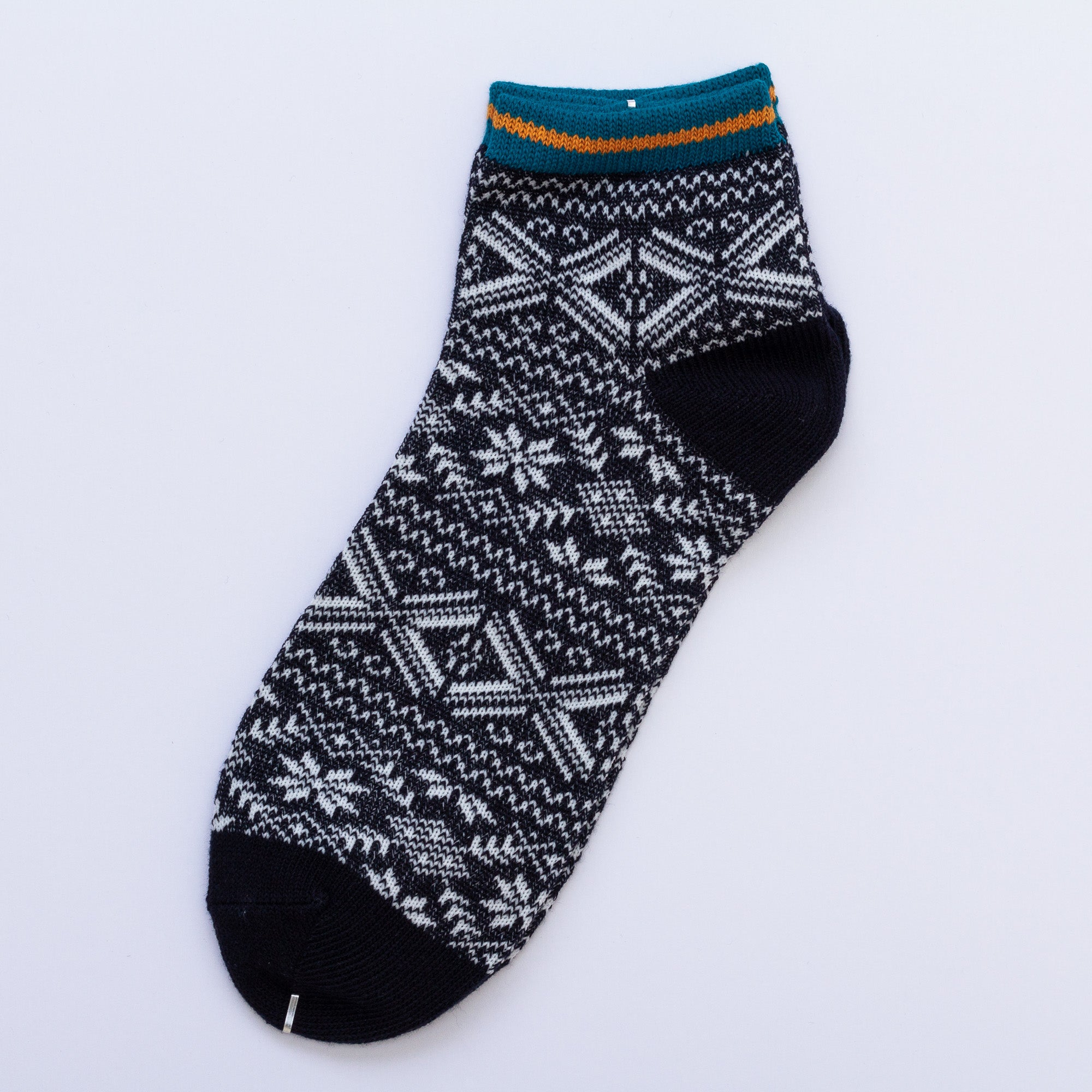Load image into Gallery viewer, Kita Low Socks - Black