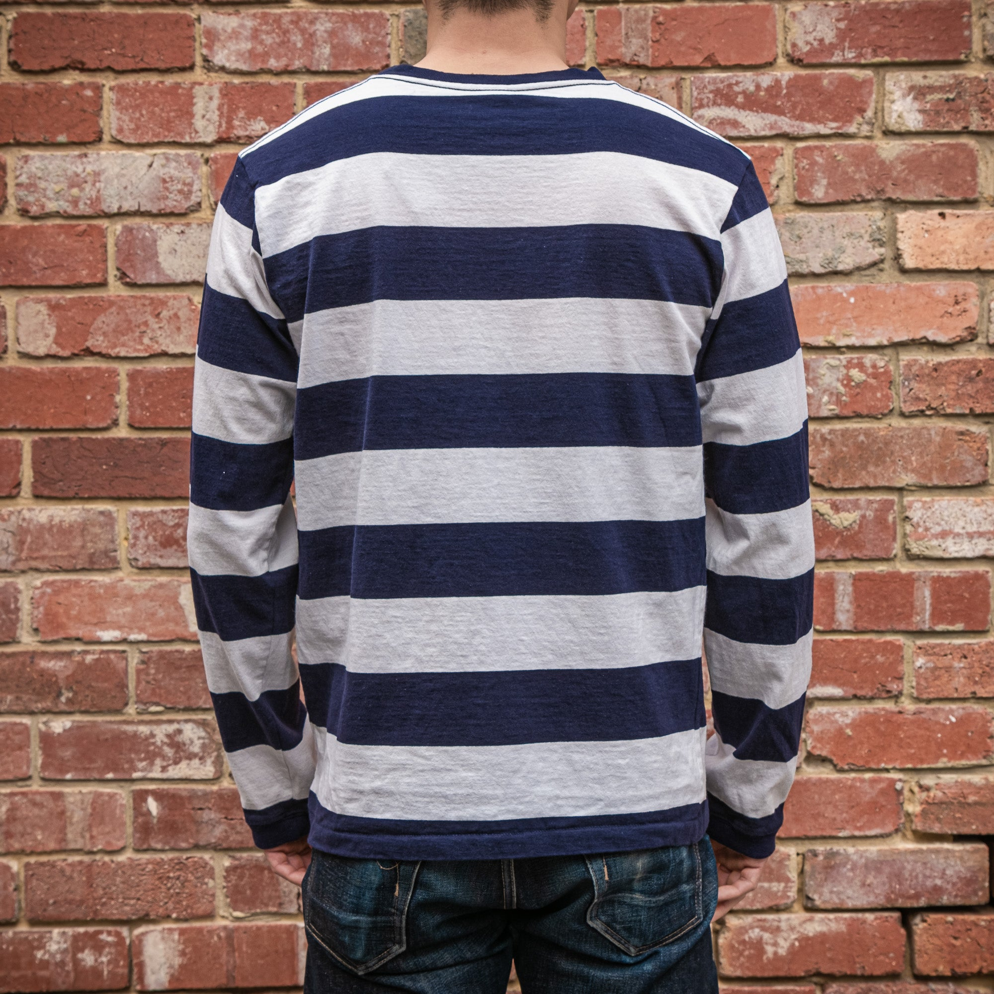 Load image into Gallery viewer, Velva Sheen - 18 stripe L/S pocket tee in White and Navy wide stripe