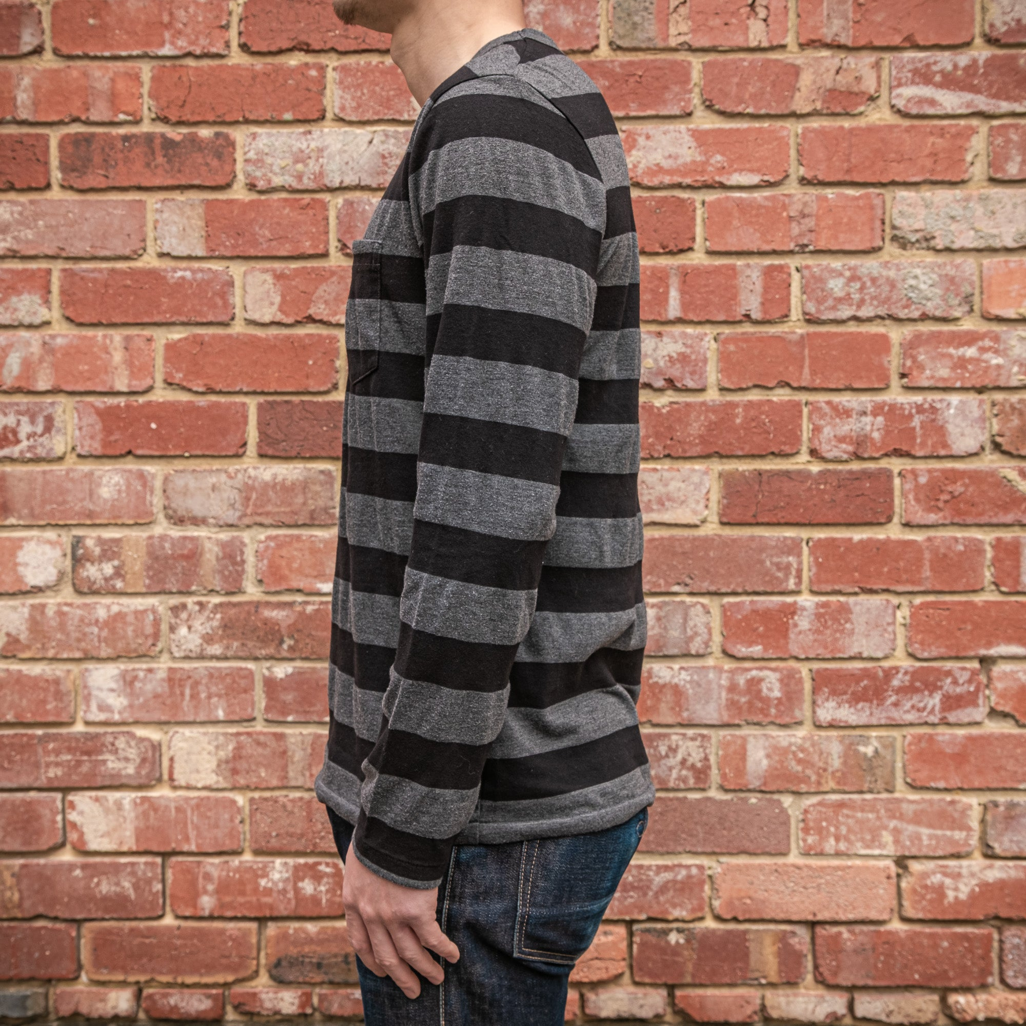 Load image into Gallery viewer, Velva Sheen - 30 stripe L/S pocket tee in Black and Charcoal