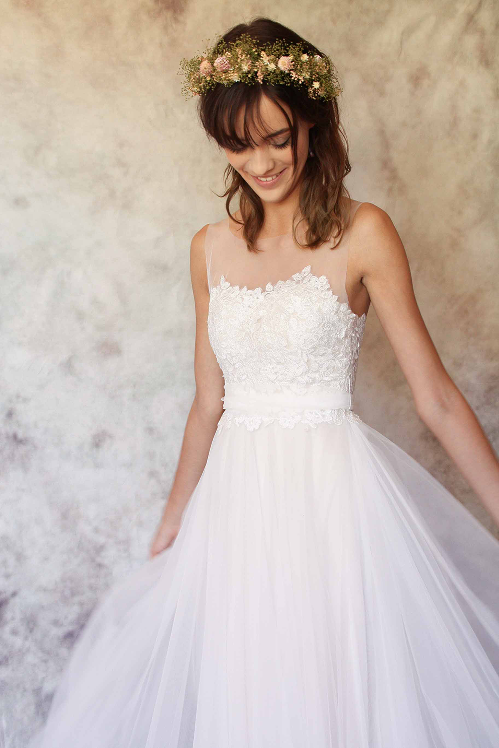 Hera sample gown size 10-12
