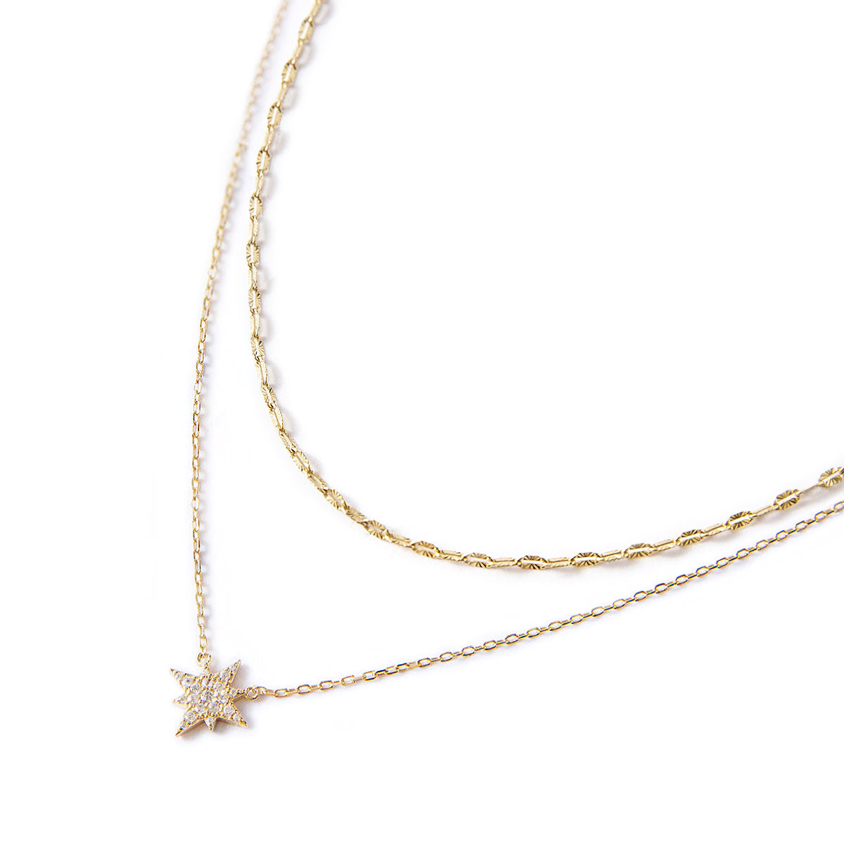 chain necklace and star pendant necklace
