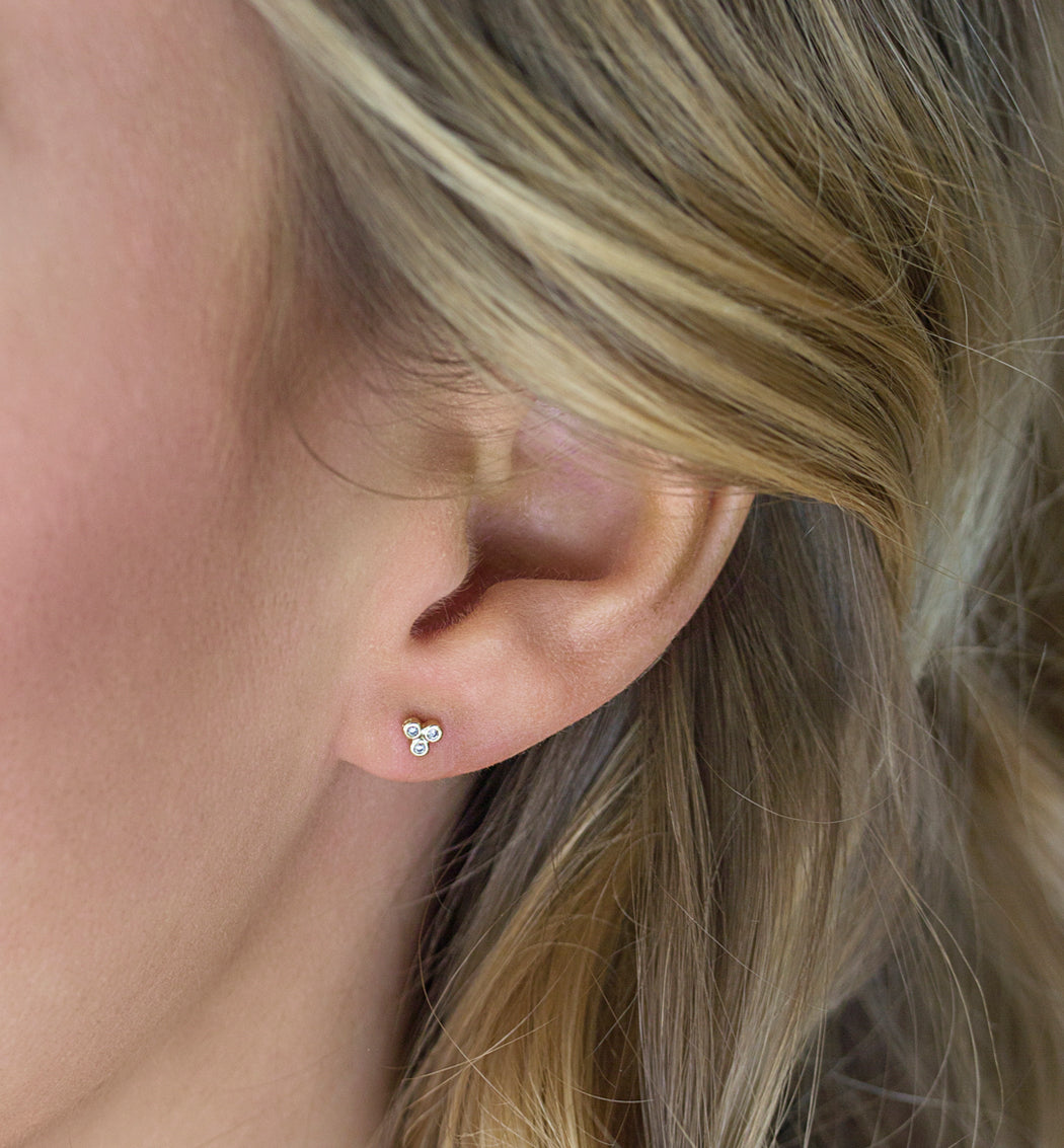 Tiny Clover Stud Earrings, Earrings - AMY O. Jewelry