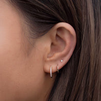 caption:Model's second hole:4.6mm, wearing 6.5mm