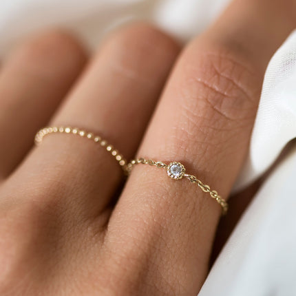 Solitaire Chain Ring 14K