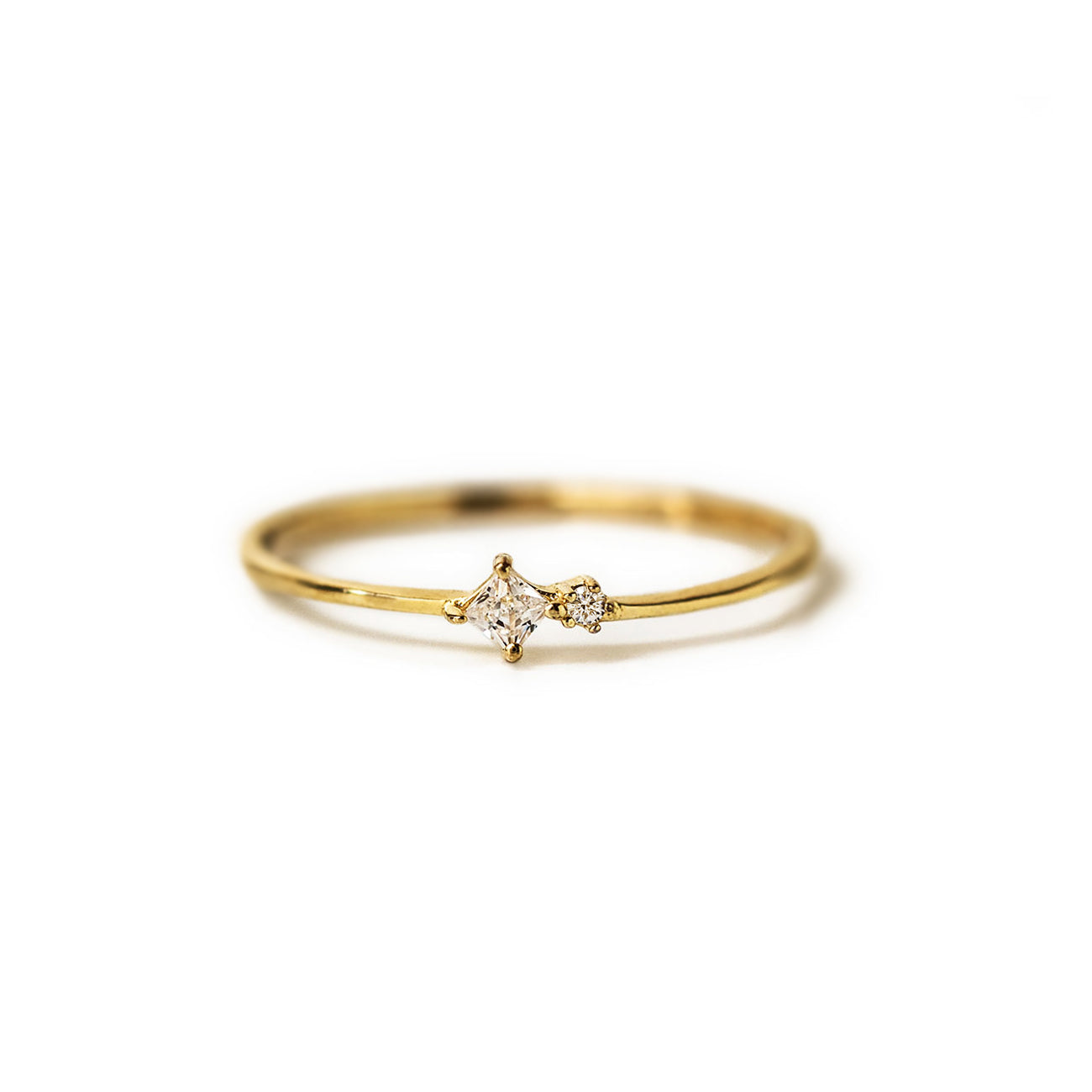 Tiny Duo Ring