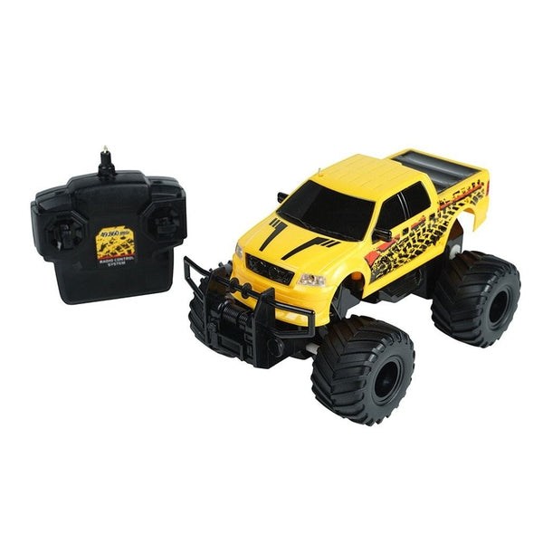 RadioShack Remote Control 1:24 Scale Path Hunter Truck