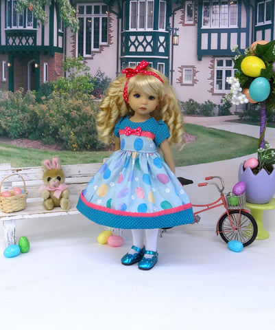 Coloring Eggs - dress, tights & shoes for Little Darling Doll or 33cm BJD