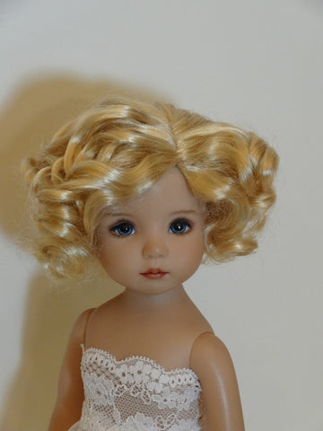 Marianne wig in Light Peach Blonde - for Little Darling dolls