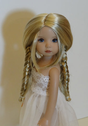 Nelly wig in Light Peach Blonde & Ginger Brown - for Little Darling dolls