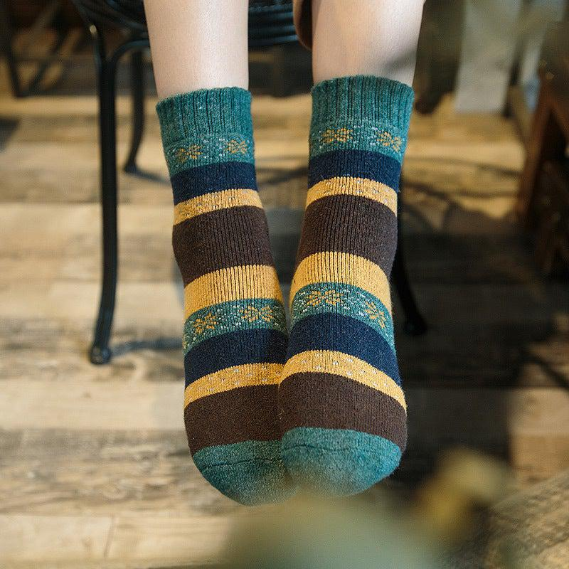 Vintage Snowflake Ultra Warm Wool Blend Socks - UPKIWI