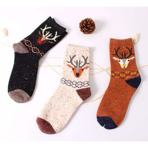 Forest Deer Lightweight Wool Blend Socks - White / Women's Shoe Size 5-10 - UPKIWI