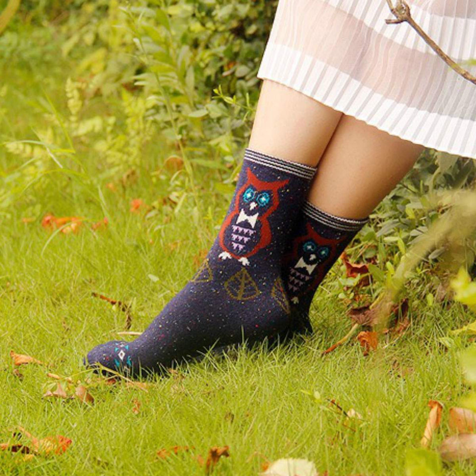 Forest Owl Lightweight Wool Blend Socks - Blue / Women's Shoe Size 5-10 - UPKIWI