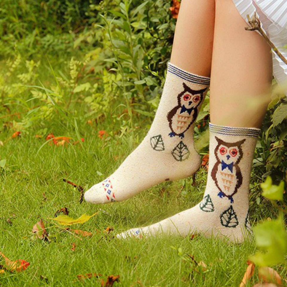 Forest Owl Lightweight Wool Blend Socks - White / Women's Shoe Size 5-10 - UPKIWI